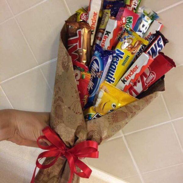 Купить букет из шоколадок с доставкой по Екатеринбургу