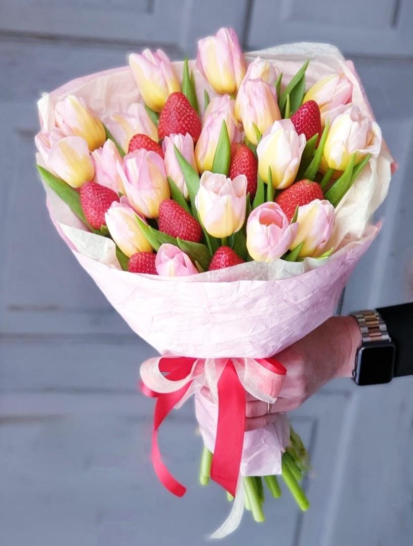 Тюльпанный-клубничный микс