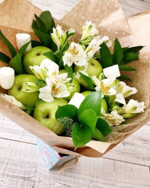 Съедобный, фруктовый букет на любой праздник с доставкой по Екатеринбургу -https://www.ekbbuket.ru/ Хороший подарок на свадьбу и не дорогой