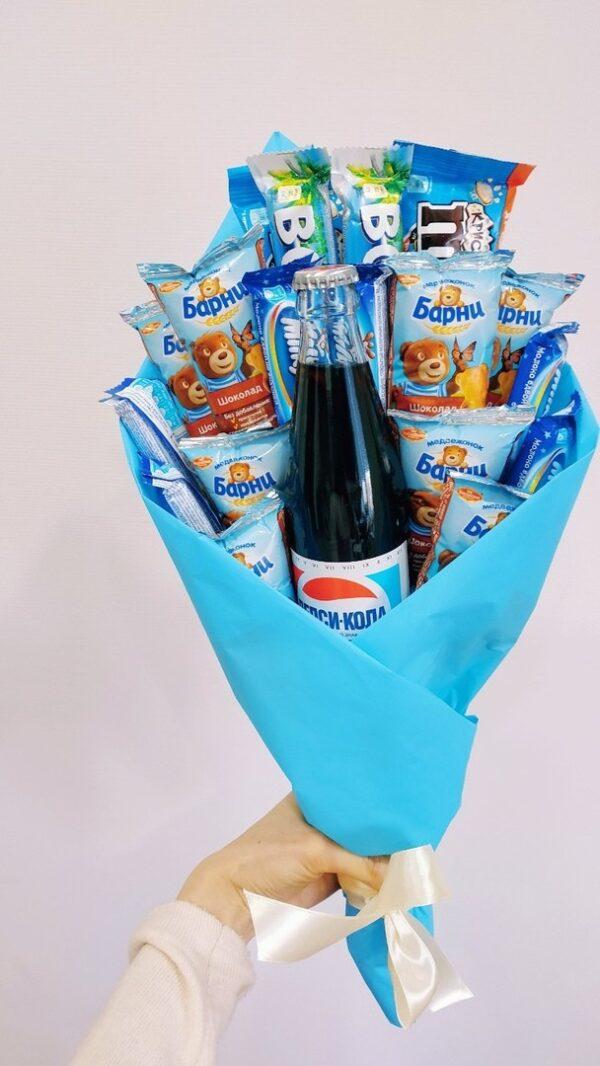Детский букет со сладостями, недорого заказать с доставкой по Екатеринбургу
