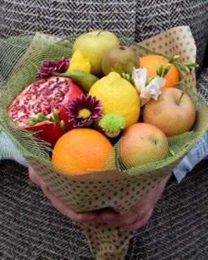 Не дорогой Букет из фруктов с доставкой по Екатеринбургу - заказать