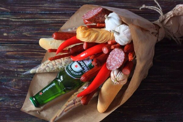 Клубника с голубикой, Заказать букет в Екатеринбурге, Фруктовый букет, букет из фруктов, сухофруктов, с алкоголем, мужской букет, съедобный букет, букет из продуктов