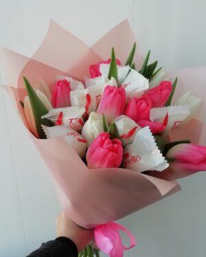 Букет тюльпаны с конфетками купить с доставкой по Екатеринбургу -https://www.ekbbuket.ru/