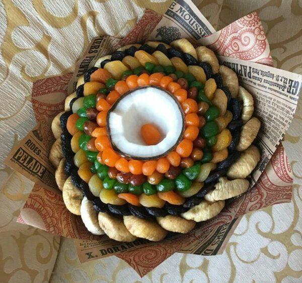 Букет из сухофруктов с кокосом