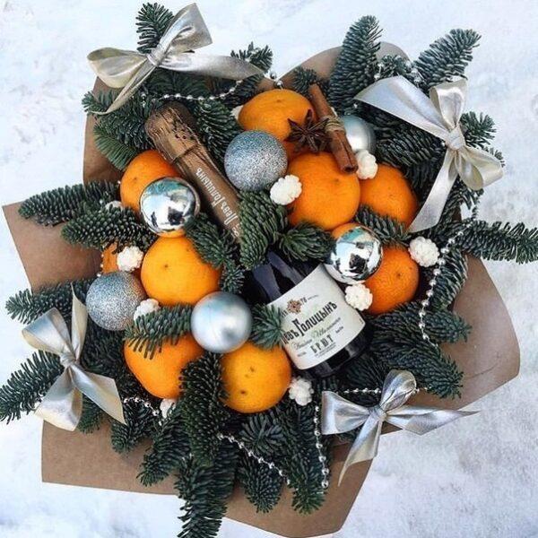 Новогодний букет с шампанским