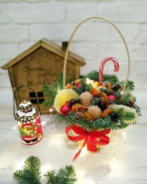 Новогодняя корзинка из сухофруктов