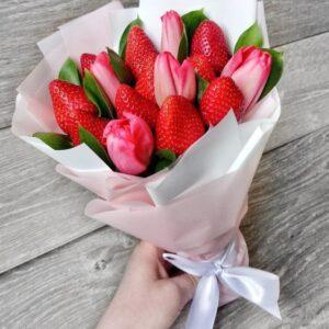 Мини букет с тюльпанами